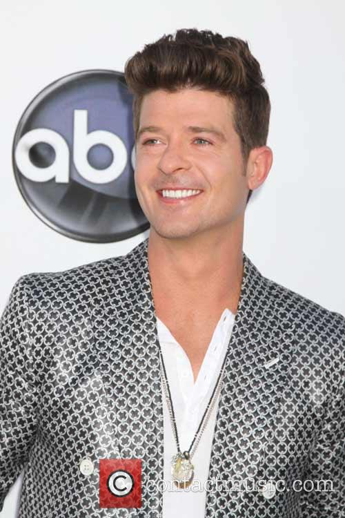 Robin Thicke and Lisa Marie Presley 2