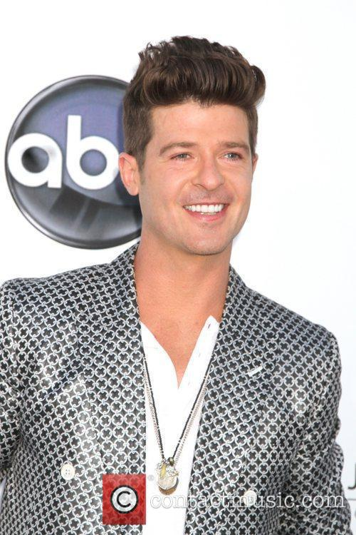Robin Thicke and Lisa Marie Presley 1