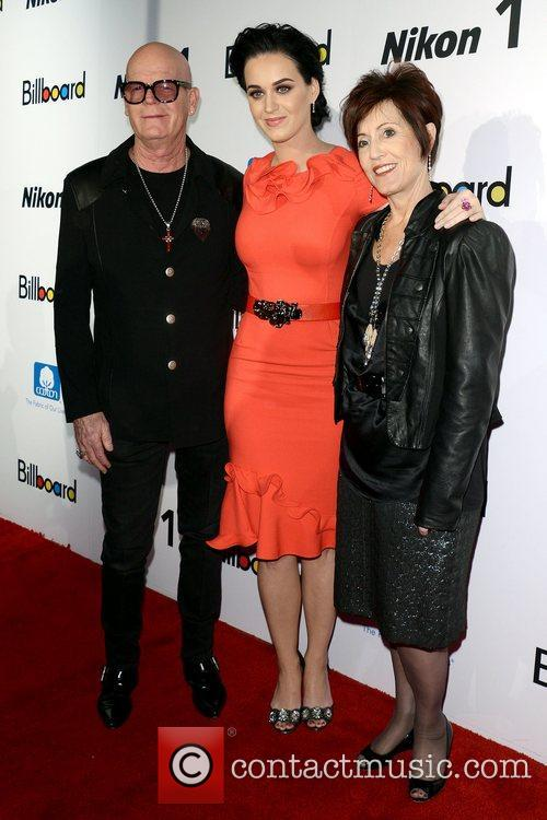 Katy Perry, Keith Hudson and Mary Perry 9