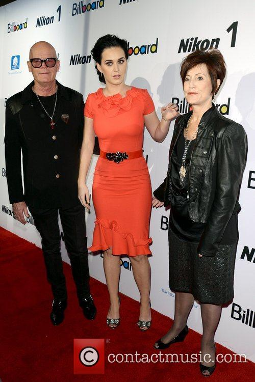 Katy Perry, Keith Hudson and Mary Perry 11