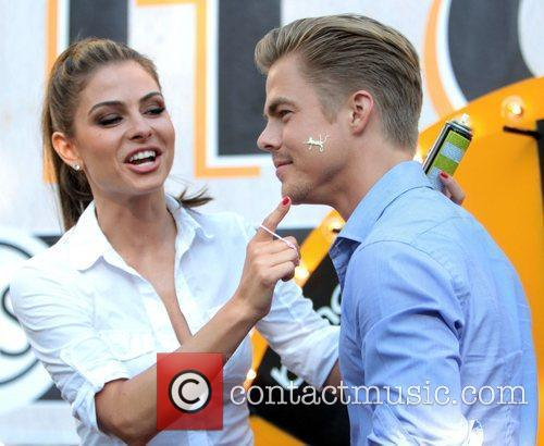Maria Menounos and Derek Hough 10