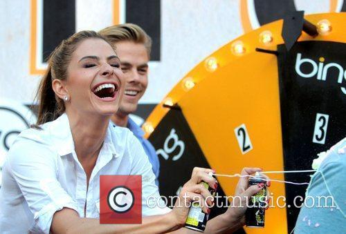 Maria Menounos and Derek Hough 11