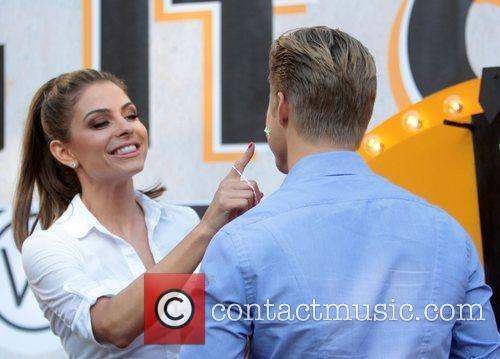 Maria Menounos and Derek Hough 12