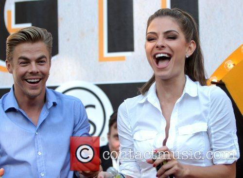 Maria Menounos and Derek Hough 13