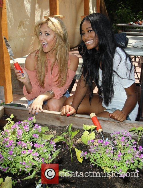 Cassie Scerbo and Keke Palmer 2