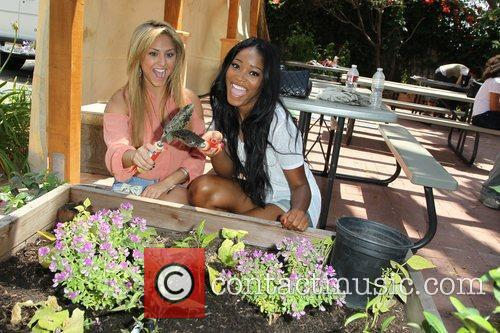 Cassie Scerbo and Keke Palmer 4