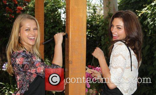 Teresa Palmer and Phoebe Tonkin 2