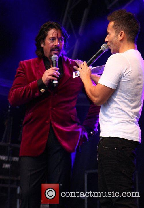 Laurence Llewelyn-Bowen The 2012 Blackpool Illuminations Swtich-On Concert...