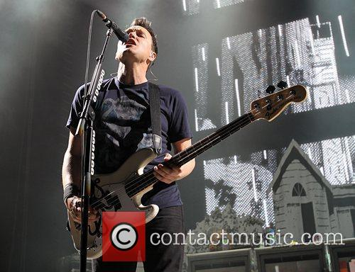 Mark Hoppus, Blink 182, Travis Barker and O2 Arena 15