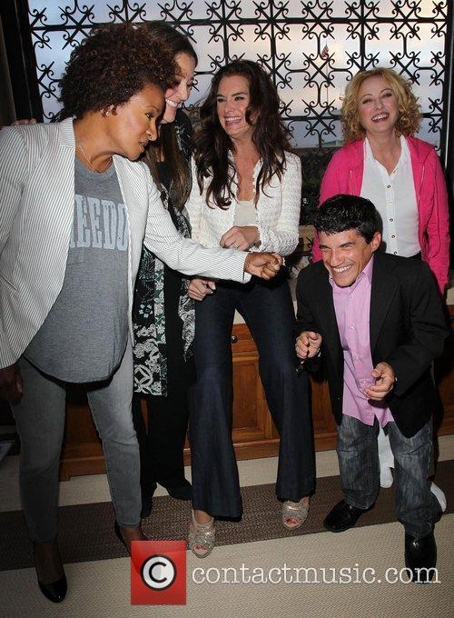 Wanda Sykes, Brooke Shields, Camryn Manheim, Mark Povinelli and Virginia Madsen 5