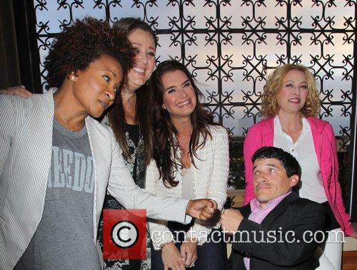 Wanda Sykes, Brooke Shields, Camryn Manheim, Mark Povinelli and Virginia Madsen 7