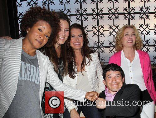 Wanda Sykes, Brooke Shields, Camryn Manheim, Mark Povinelli and Virginia Madsen 9