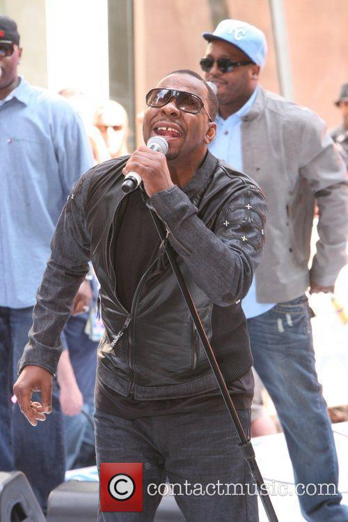 bobby brown performing live at the rockefeller 5853200