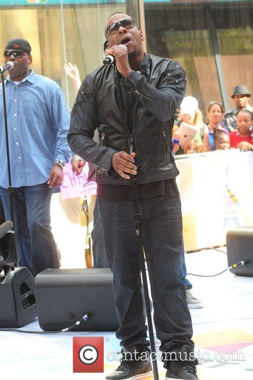 bobby brown performing live at the rockefeller 5853400