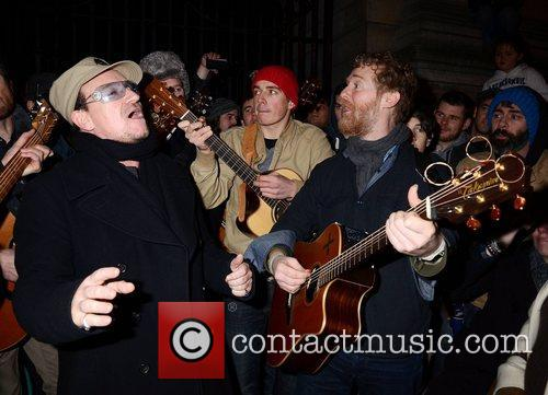 Bono, Glen Hansard and Stephen Park 9