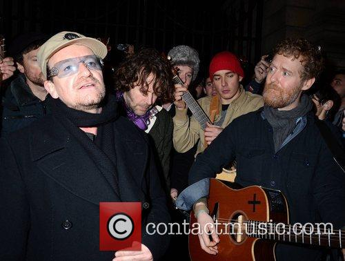 Bono, Glen Hansard and Stephen Park 8