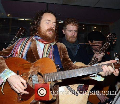 Damien Rice and Glen Hansard 3