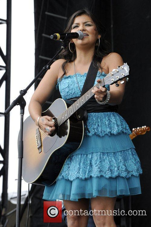 Performs at the 1st Annual 'Boots and Hearts...