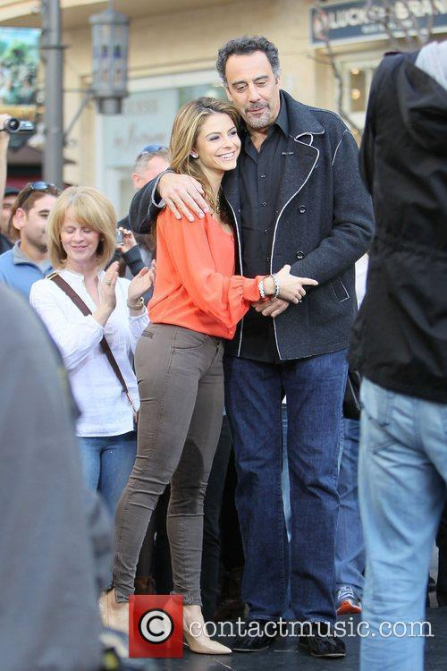 Maria Menounos and Brad Garrett 3