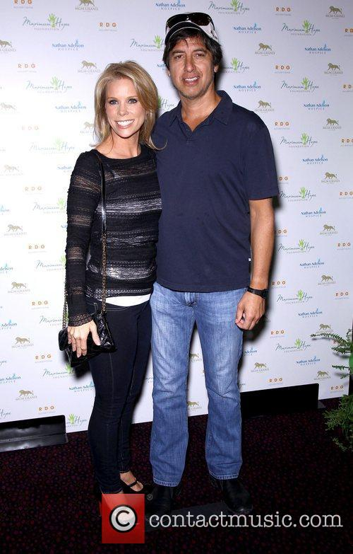 Cheryl Hines and Ray Romano 9