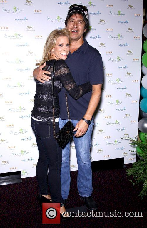 Cheryl Hines and Ray Romano 8