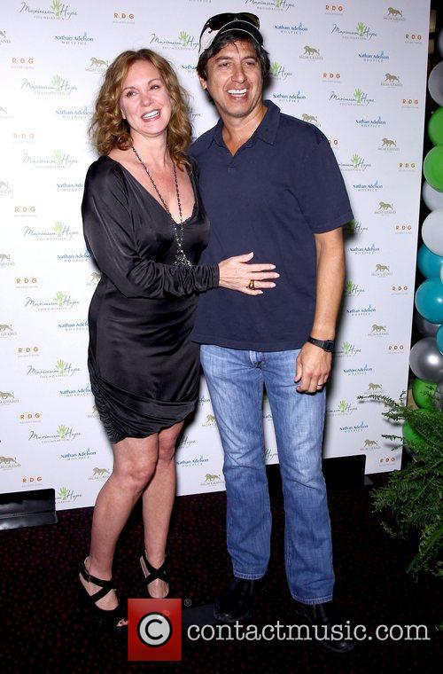 Elizabeth Perkins and Ray Romano 11