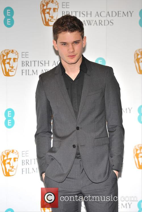 jeremy irvine ee british academy film awards 20046387