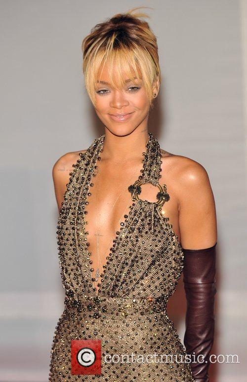 Rihanna and Brit Awards 7