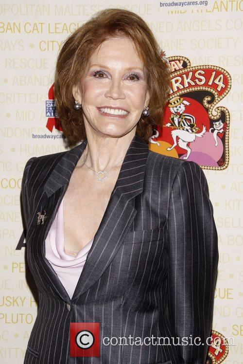 mary tyler moore broadway barks the 14th 3990630