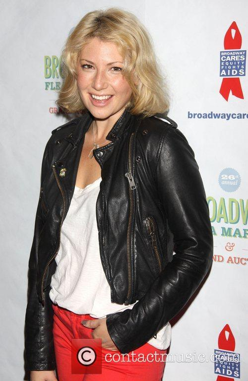 ari graynor attending the 26th broadway cares 4095934