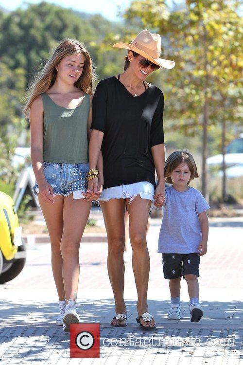 Brooke Burke and her children head to a...