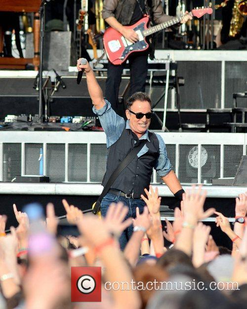 bruce springsteen performs at the rds dublin 3994085