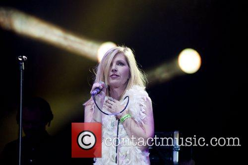 sarah cracknell of saint etienne performs bt 5888815
