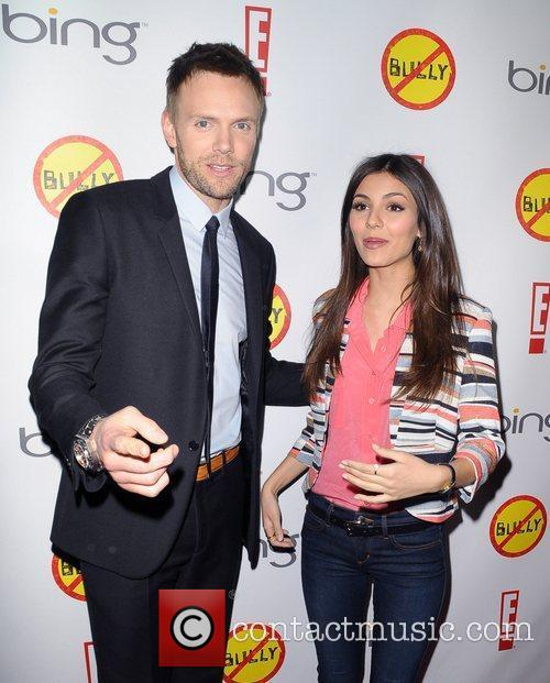 Joel Mchale and Victoria Justice 4