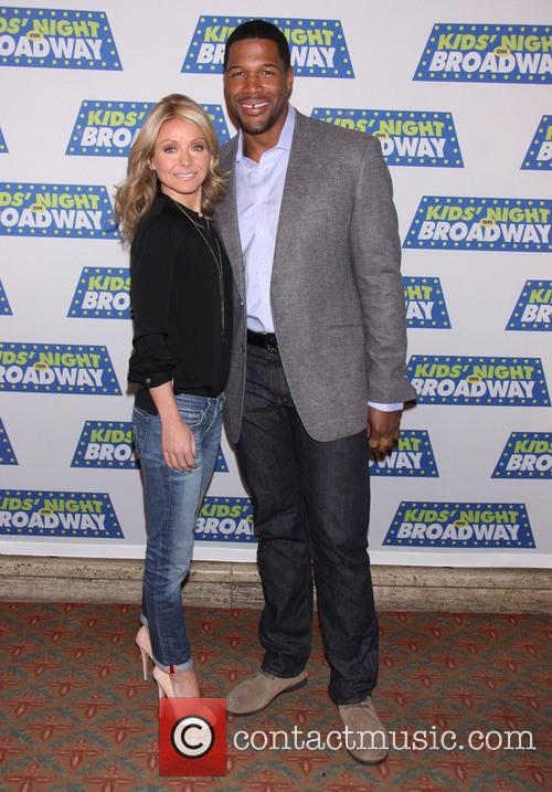 Michael Strahan, Kelly Ripa, The Broadway Kids, National Ambassadors, Kids' Night On Broadway, August Wilson Theatre. New and York City 4