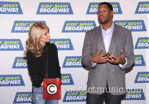 Michael Strahan and Kelly Ripa 7