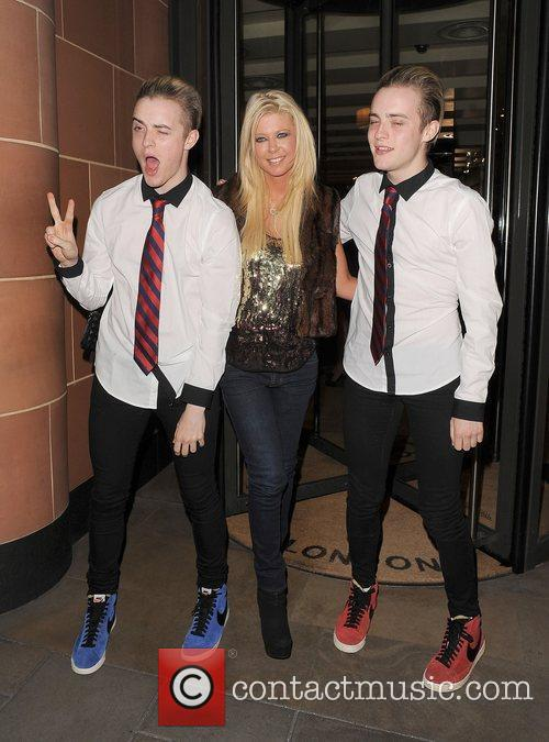 Tara Reid, Grimes and Jedward 4