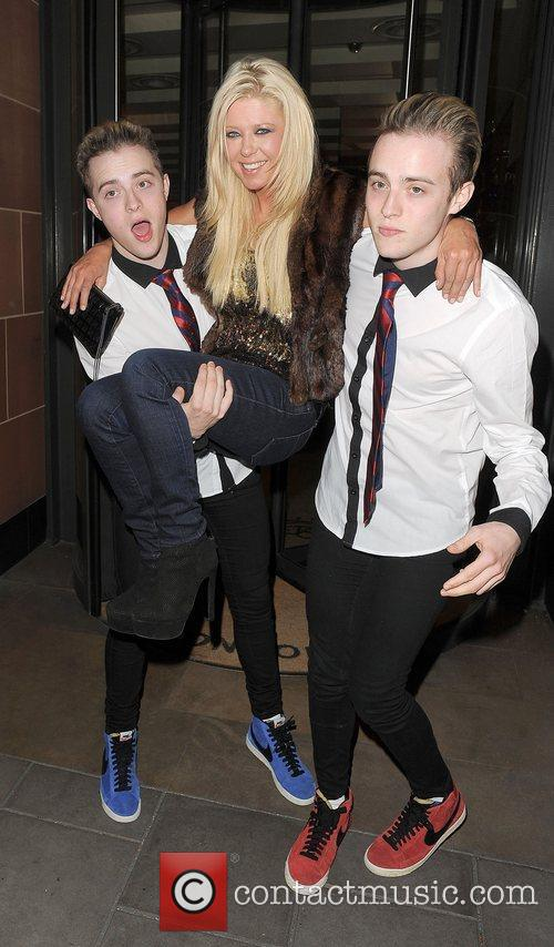 tara reid john grimes and edward grimes 4060231