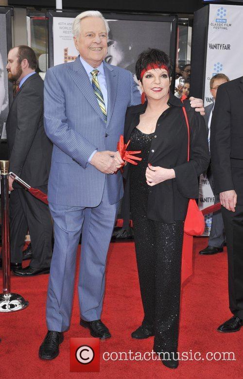 Liza Minnelli and Grauman's Chinese Theatre 3