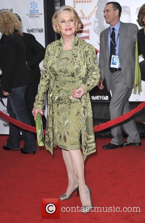 Tippi Hedren and Grauman's Chinese Theatre 3