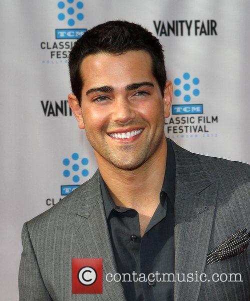 Jesse Metcalfe and Grauman's Chinese Theatre 2