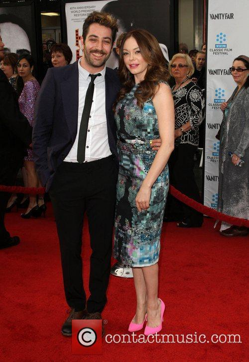 Rose Mcgowan and Grauman's Chinese Theatre 1