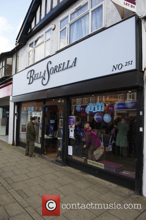 Bella Sorella Lydia Rose Bright sells cakes at...