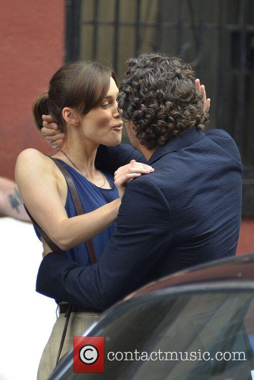 Keira Knightley and Mark Ruffalo 6