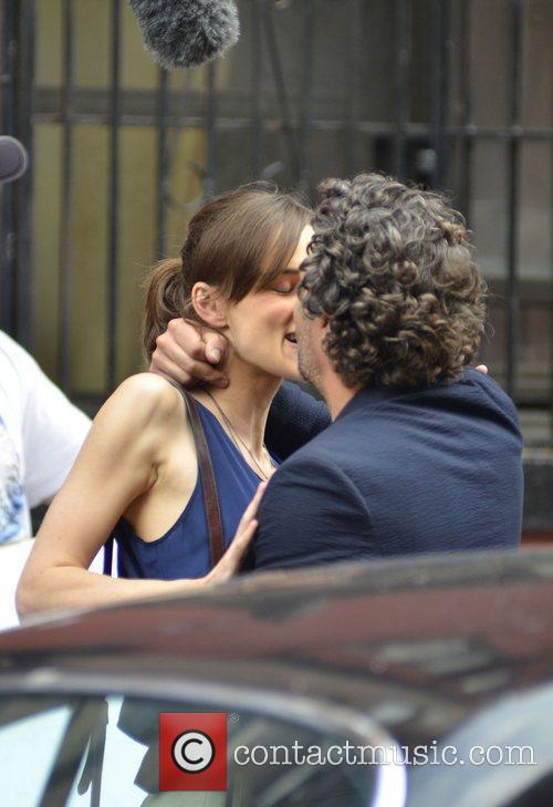 Keira Knightley and Mark Ruffalo 15