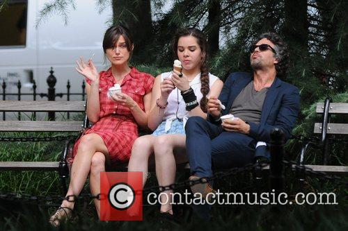 Keira Knightley, Hailee Steinfeld and Mark Ruffalo 6