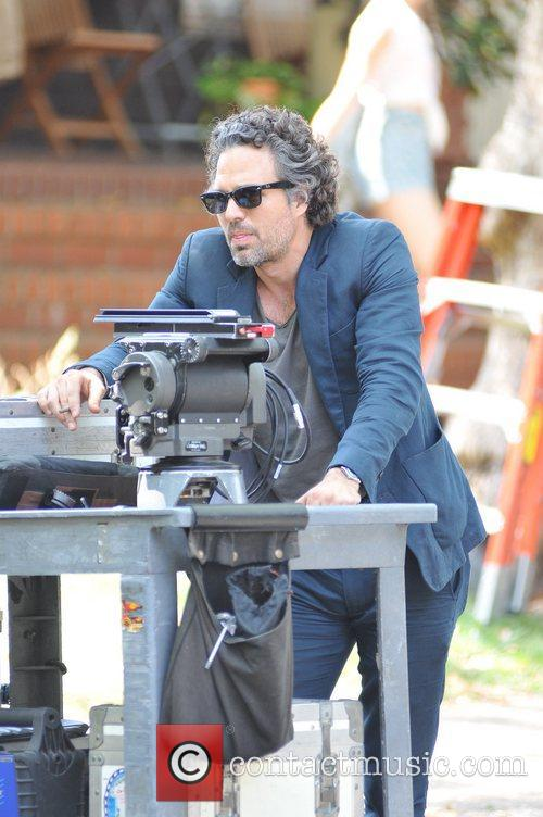 mark ruffalo on the set of can 5886516