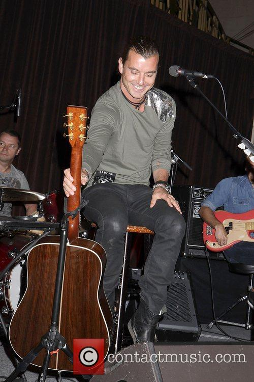 Gavin Rossdale and Wall Street 7