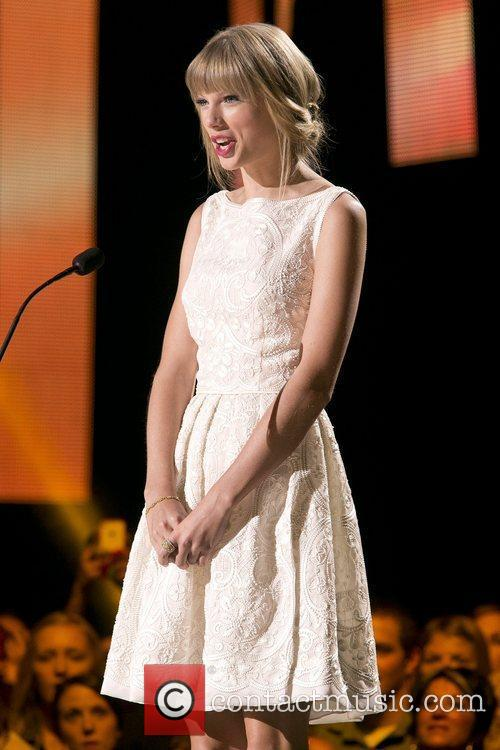 Taylor Swift and Country Music Association 3