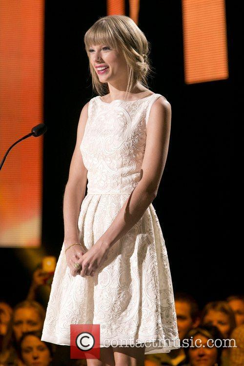 Taylor Swift and Country Music Association 4